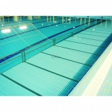 MOVABLE FLOOR TO REDUCE POOL DEPTH