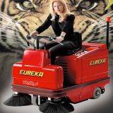 Ride-on vacuum sweeper