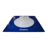 Portable shot put throwing platform with integrated toeboard